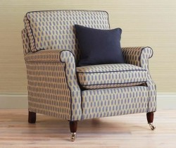 3_Zoffany_Harry-chair